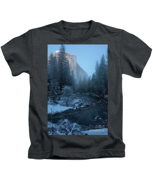 Winter El Cap  Kids T-Shirt
