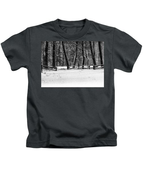 Winter Fences In Black And White  Kids T-Shirt