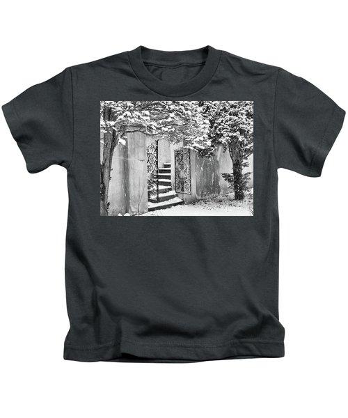 Winter Steps At The Vanderbilt In Centerport, Ny Kids T-Shirt