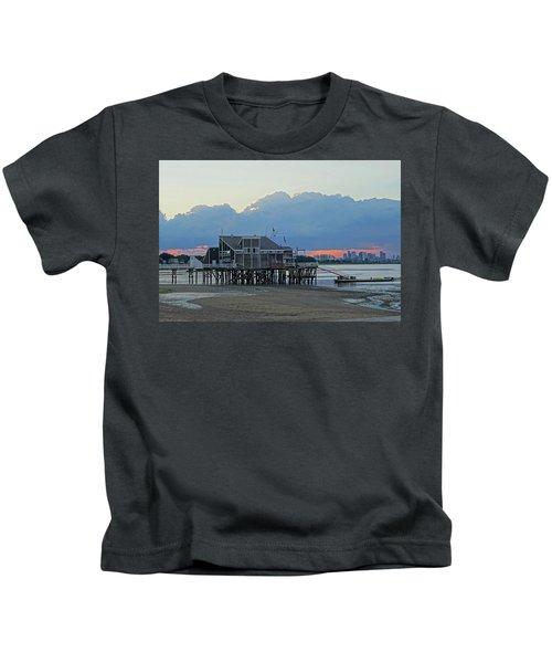 Wollaston Beach Quincy Ma Sunset Boston Skyline Quincy Ma Kids T-Shirt