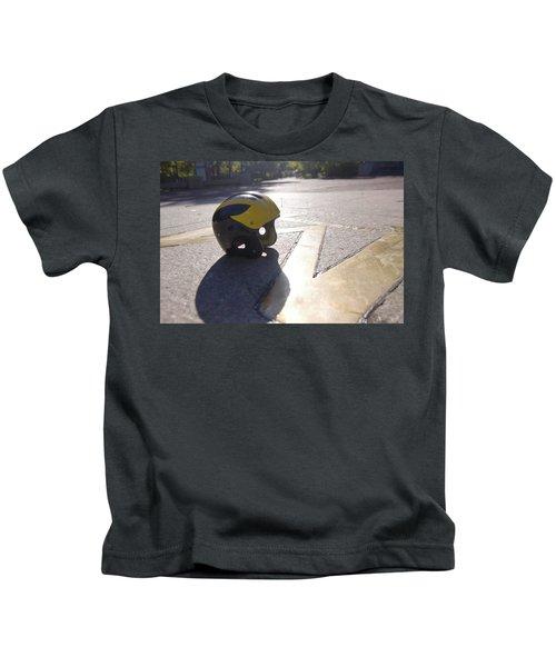 Wolverine Helmet On The Diag Kids T-Shirt