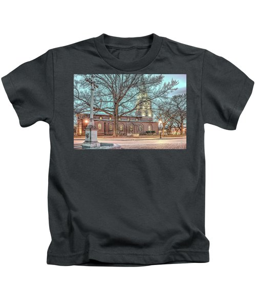 Saint Annes Circle With Fountain Kids T-Shirt