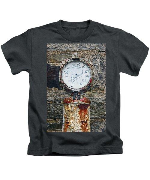 25/08/14. Lochearnhead. Old Tyre Pump. Kids T-Shirt