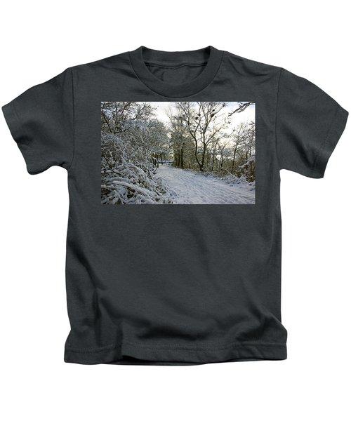 30/01/19  Rivington. Top Path Below The Pigeon Tower. Kids T-Shirt