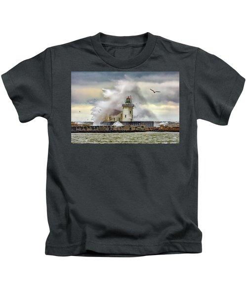 Cleveland Lighthouse Storm  Kids T-Shirt