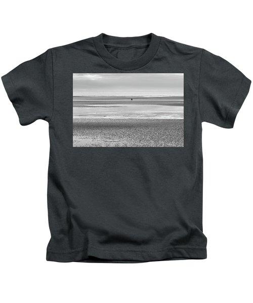 Coastal Brown Bear On  A Beach In Monochrome Kids T-Shirt