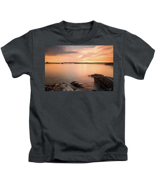 Days End Daydream  Kids T-Shirt