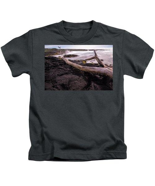 Fallen Tree At Punalu'u Beach Kids T-Shirt