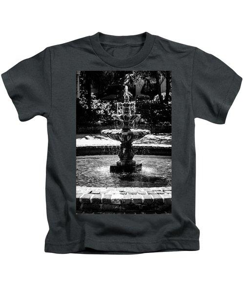 Fountain B W Kids T-Shirt