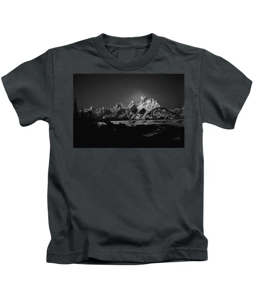 Full Moon Sets In The Tetons Kids T-Shirt