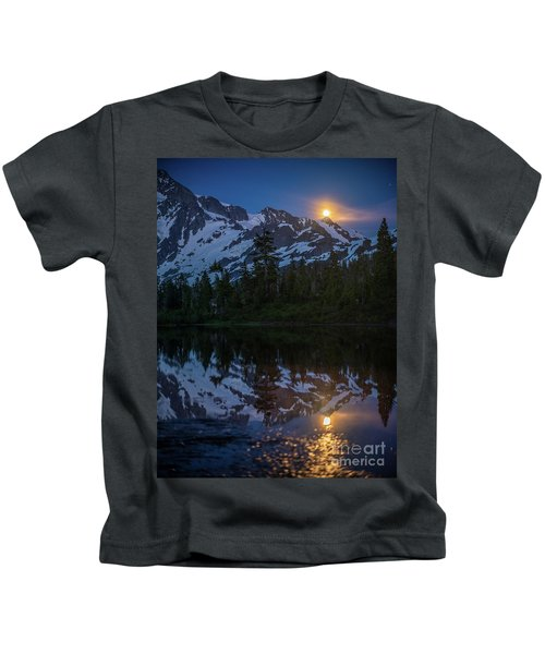 Full Moonrise Over Picture Lake Kids T-Shirt