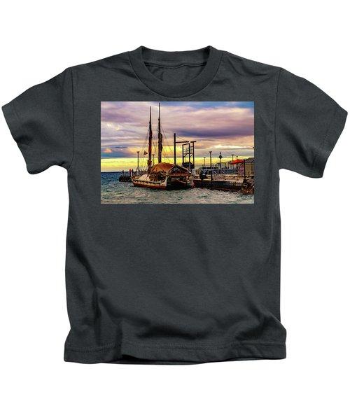 Hokulea Docked Kids T-Shirt