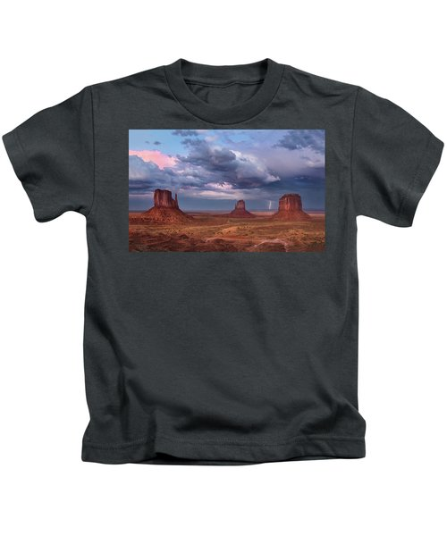 Lightning Across The Valley    Kids T-Shirt