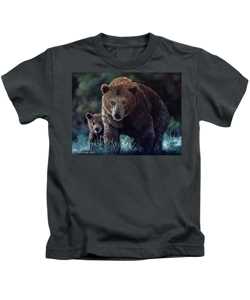 Mama Brown With Cubs Kids T-Shirt