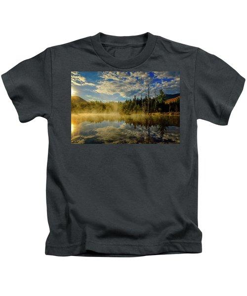 Morning Mist, Wildlife Pond  Kids T-Shirt