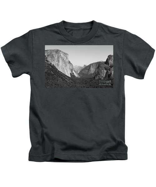 Nature At Its Best - Black-white Kids T-Shirt
