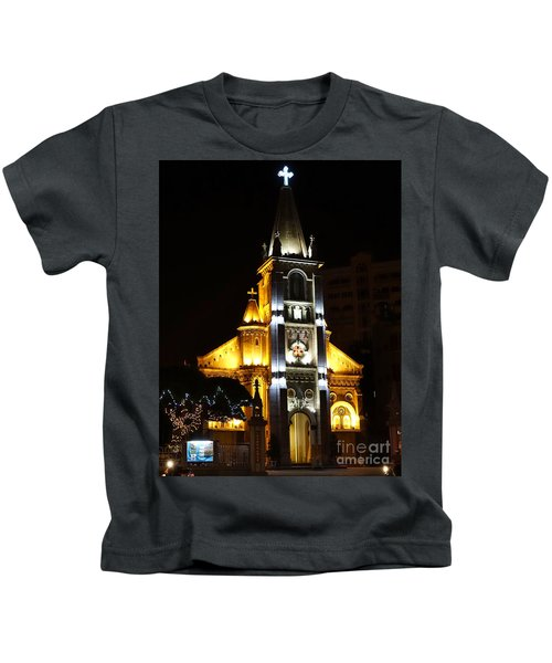 Night View Of The Holy Rosary Cathedral Kids T-Shirt