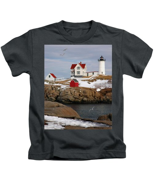 Nubble Light - Cape Neddick Lighthouse Seascape Landscape Rocky Coast Maine Kids T-Shirt