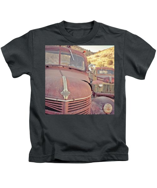 Old Friends Two Rusty Vintage Cars Jerome Arizona Kids T-Shirt