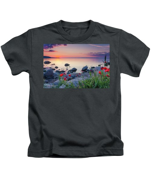 Poppies By The Sea Kids T-Shirt