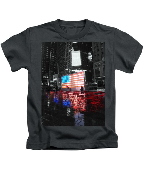 Rainy Days In Time Square  Kids T-Shirt