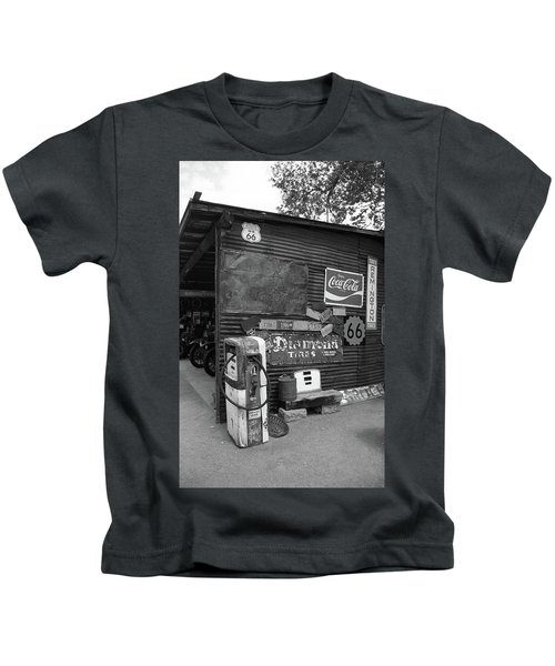 Route 66 Garage And Pump 2012 Bw Kids T-Shirt
