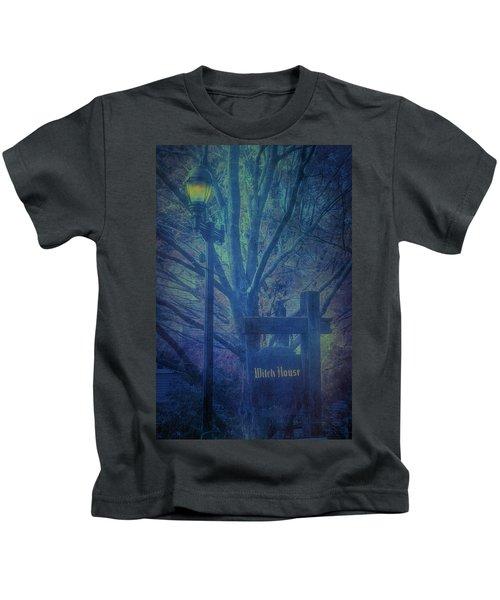 Salem Massachusetts  Witch House Kids T-Shirt