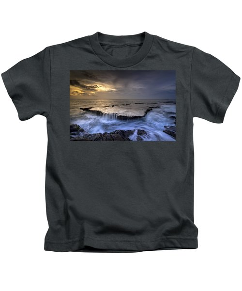 Sea Waterfalls Kids T-Shirt