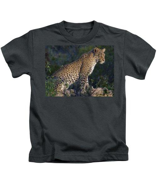 Sitting Leopard Kids T-Shirt