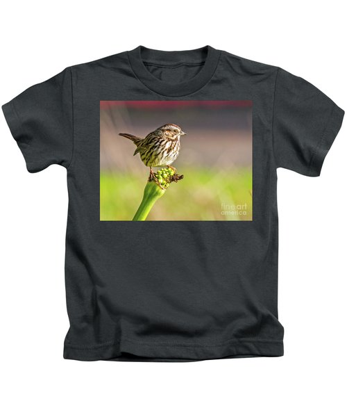 Songster Perching Kids T-Shirt
