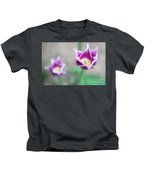 Two-tone Tulips Kids T-Shirt