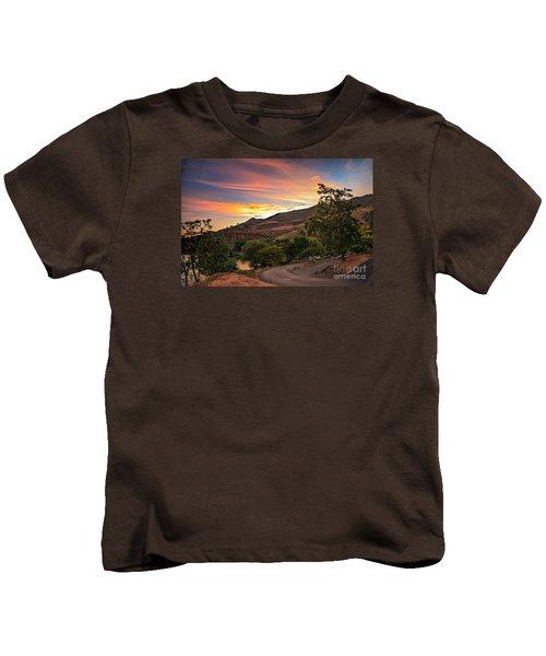 Sunrise At Woodhead Park Kids T-Shirt by Robert Bales