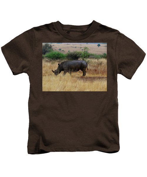 African Animals On Safari - One Very Rare White Rhinoceros Right Angle With Background Kids T-Shirt