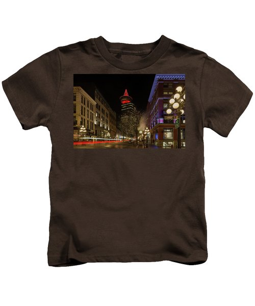Gastown In Vancouver Bc At Night Kids T-Shirt