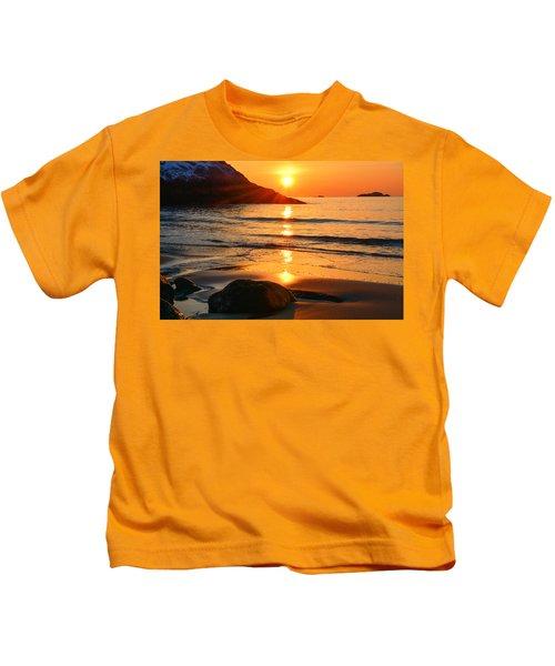 Golden Morning Singing Beach Kids T-Shirt