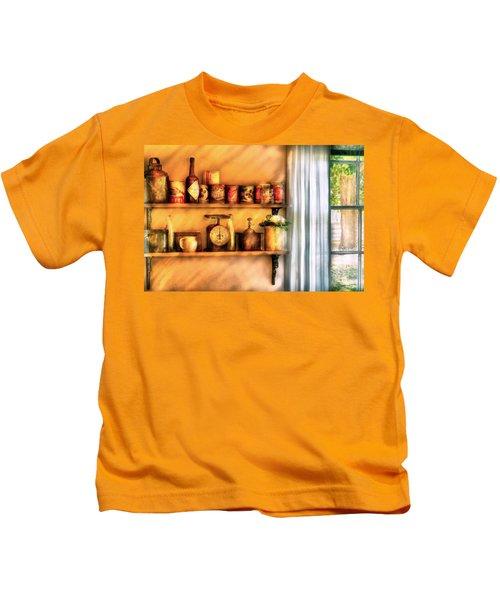 Jars - Kitchen Shelves Kids T-Shirt