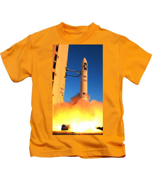 Minotaur Iv Rocket Launches Falconsat-5 Kids T-Shirt by Science Source