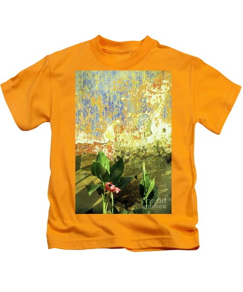 Weathered Wall 01 Kids T-Shirt