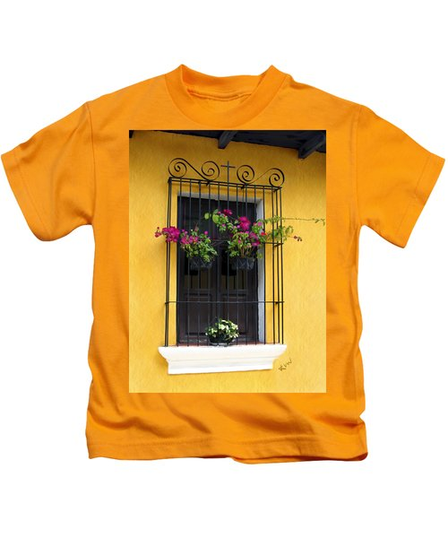 Window At Old Antigua Guatemala Kids T-Shirt
