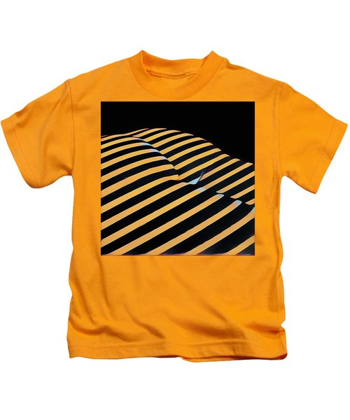 2612s-ak Abstract Rear Butt Bum Thighs Zebra Striped Woman In Composition Style Kids T-Shirt