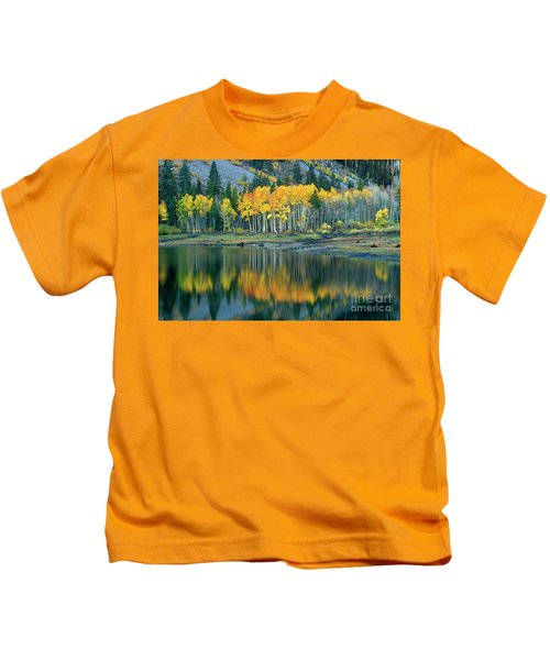 Aspens In Fall Color Along Lundy Lake Eastern Sierras California Kids T-Shirt
