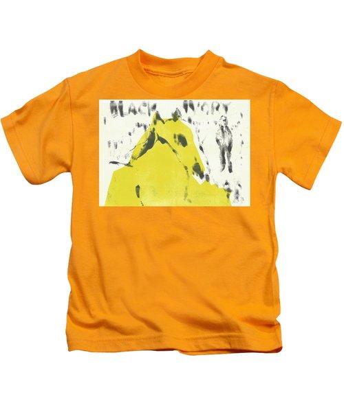 Dog At The Beach - Black Ivory 2 Kids T-Shirt