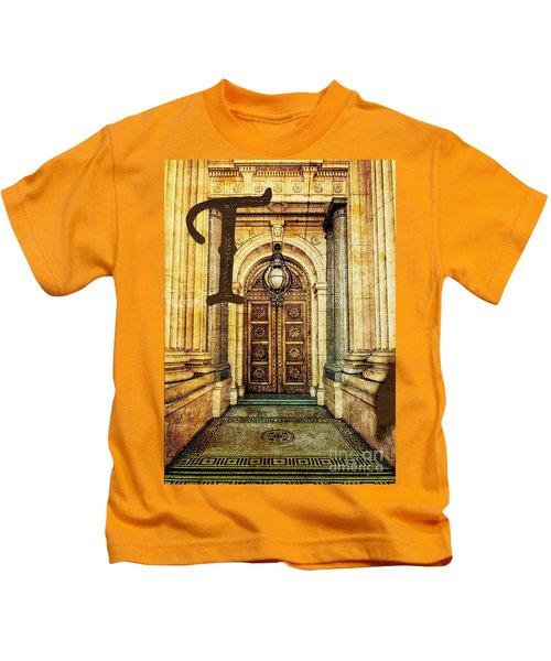 Grungy Melbourne Australia Alphabet Series Letter T Old Treasury Kids T-Shirt