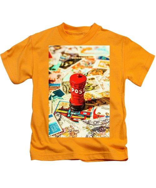 Iconic British Mailbox Kids T-Shirt