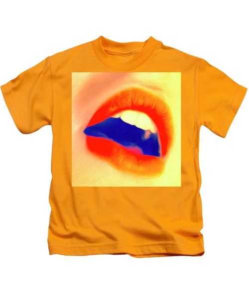Kiss Me- Kids T-Shirt