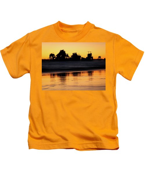 Tangalooma Wrecks Sunset Silhouette Kids T-Shirt