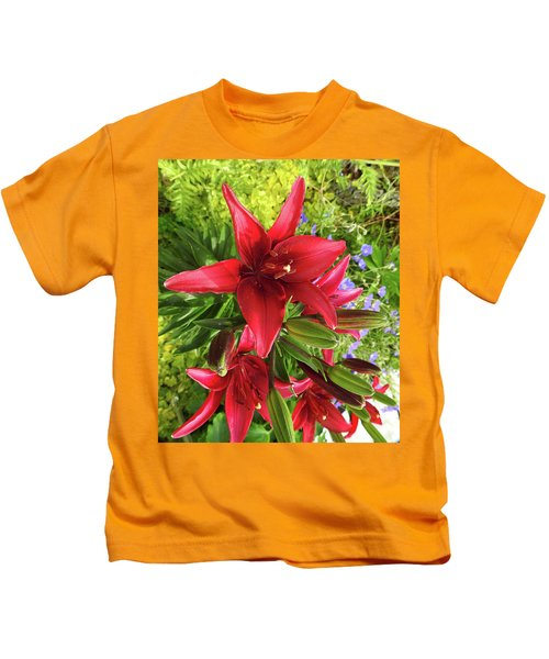 Tiny Ghost Asiatic Lilly Kids T-Shirt