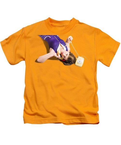 Cool Pin-up Girl Making Conversation On Telephone Kids T-Shirt