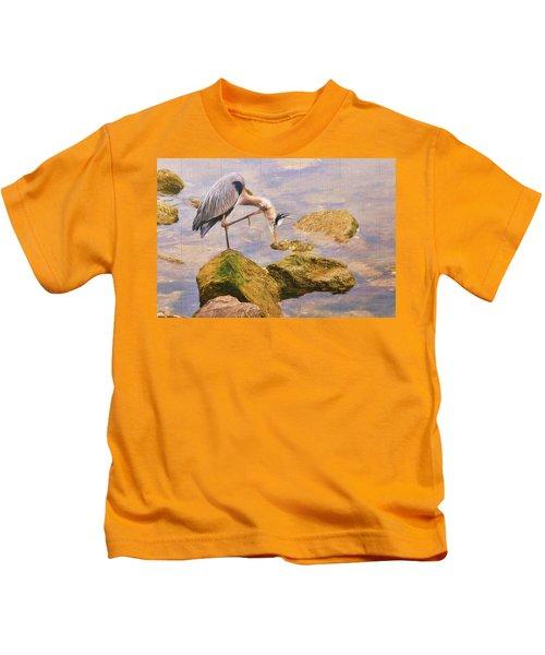 Itchy  Neck Heron Kids T-Shirt