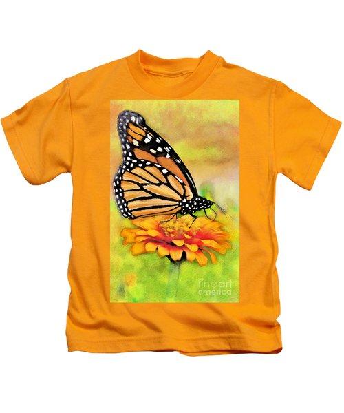 Monarch Butterfly On Flower Kids T-Shirt